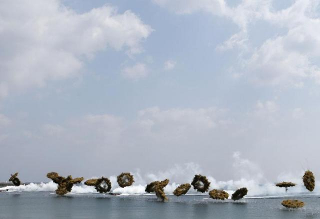 amphibie bombing thau
